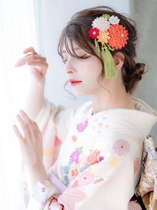 花舞う古典色彩つまみ細工 成人式 卒業式 結婚式 七五三 髪飾り
